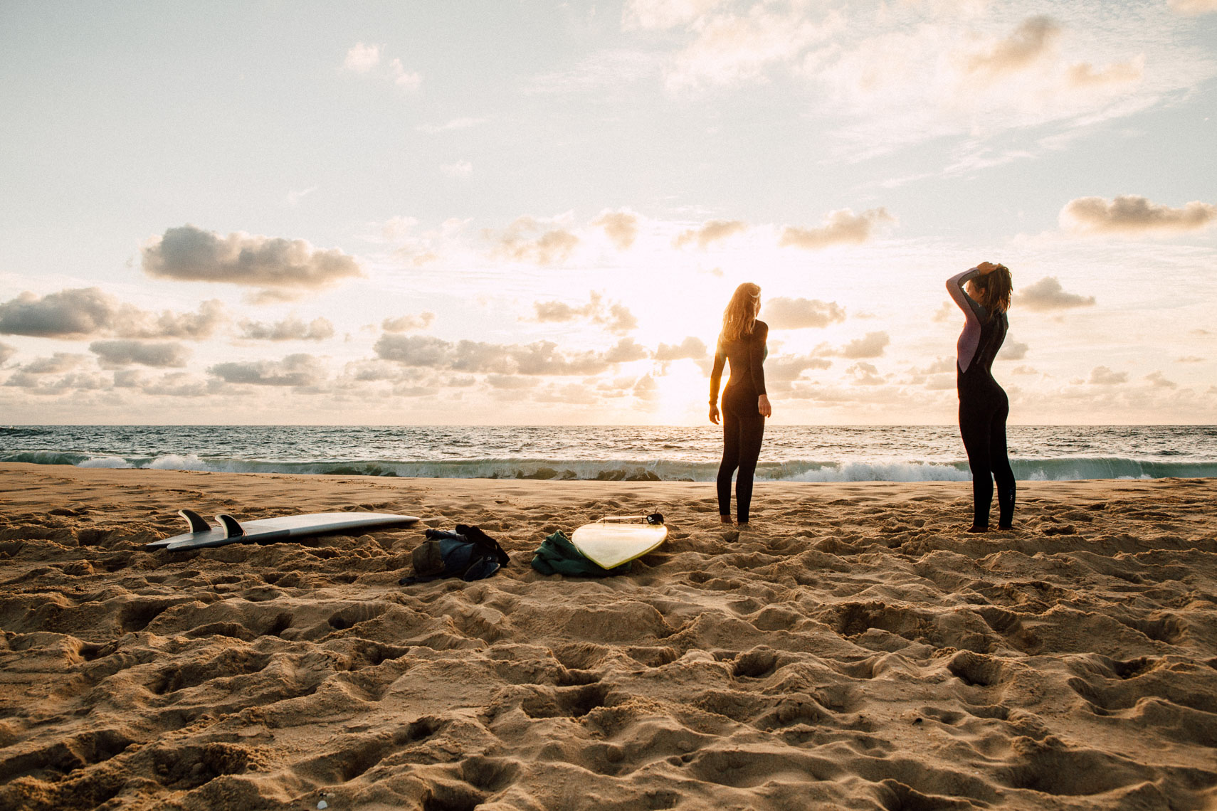 SURFER GIRLS - COUNTER PRODUCTION - NICOLAS HUDAK